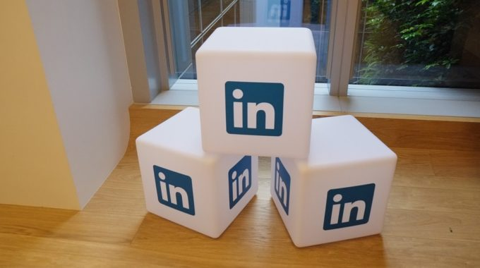 Powerful Linkedin trick for small businesses and freelancers